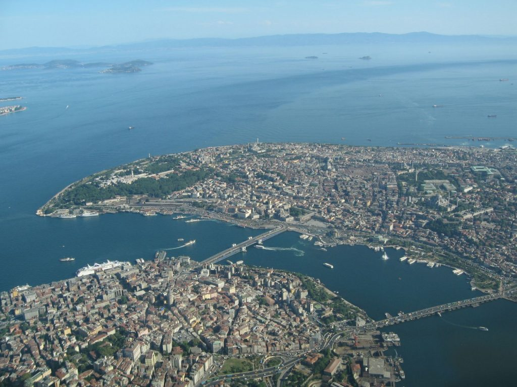 کجای استانبول هتل بگیریم ، خلیج شاخ طلایی ، Golden Horn Gulf